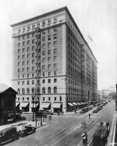 The building was previously to be the Barker Brothers Furniture Store building. Picture was taken circa 1926