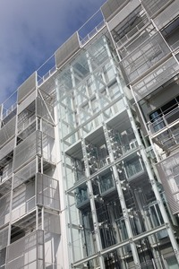 A key design feature is the innovative façade which is based upon the integration of energy efficient M&E equipment, maintenance accessibility and solar shading within the design of the building en...