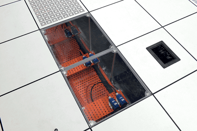 Cyberjaya 4 Data Center provides customers with 32 Amp single-phase power sockets for each standard rack. These sockets are colored red and grey.
