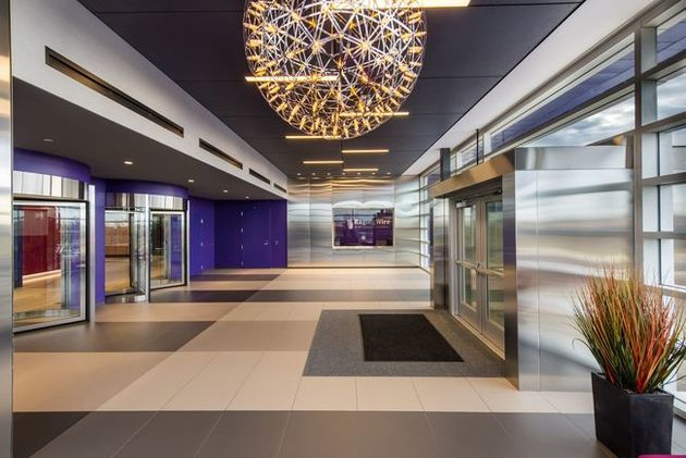 RagingWire has spent money to money to build in data center amenities and good aesthetics. The lobby of VA3 is no exception.