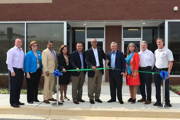 TierPoint CEO Jerry Kent, Maryland Lt. Governor Rutherford and other local officials celebrate the grand opening of our newest Maryland facility with a ceremonial ribbon cutting!